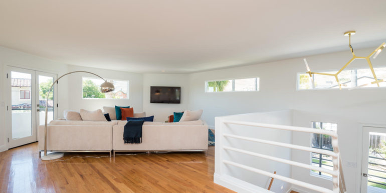 269 Windward Ave Pismo Beach-large-009-22-Living Room-1499x1000-72dpi