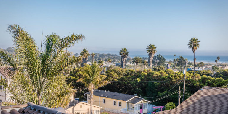 545 Bello St Pismo Beach CA-large-008-8-Balcony Views-1499x1000-72dpi