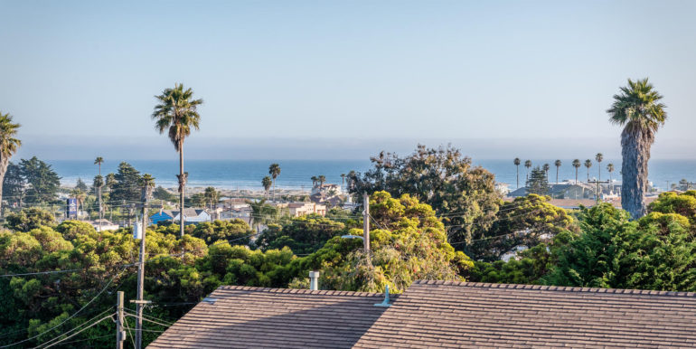 545 Bello St Pismo Beach CA-large-009-13-Balcony Views-1499x1000-72dpi