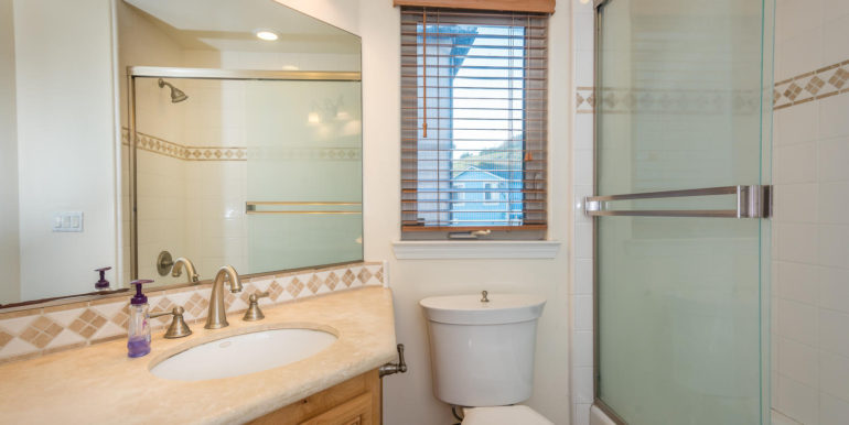 545 Bello St Pismo Beach CA-large-024-27-Bathroom Three-1498x1000-72dpi
