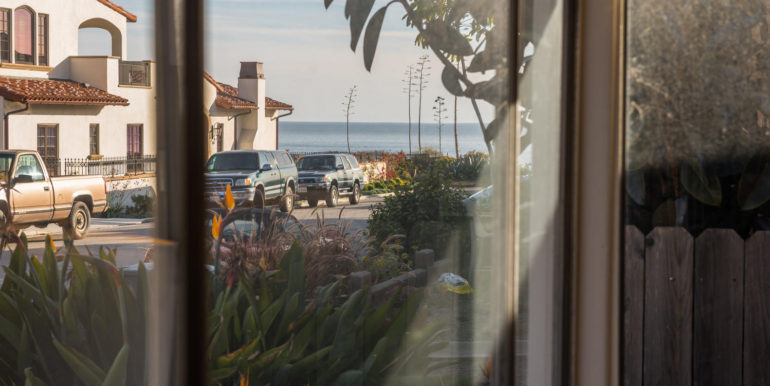 350 Boeker Ave Pismo Beach CA-large-020-14-View from Living Room-1499x1000-72dpi