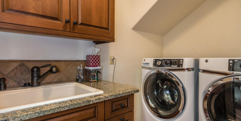 316 Windward Ave Pismo Beach-044-37-Laundry Room-MLS_Size
